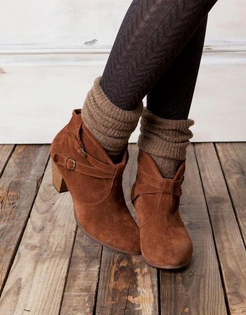Chica con doble calcetín y botines