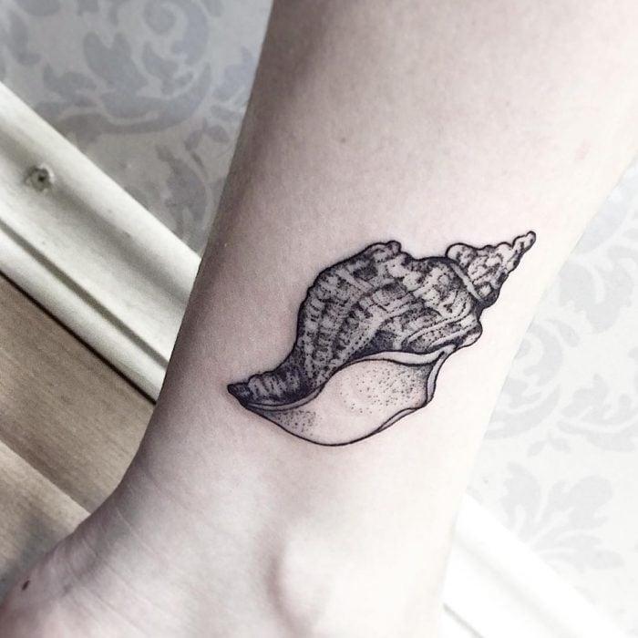 Tatuaje caracola