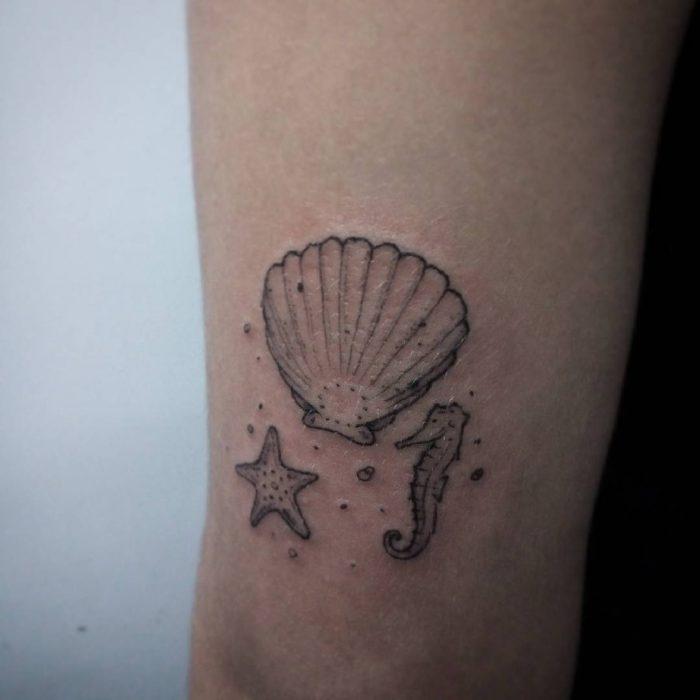 Tatuaje con los Elementos del mar