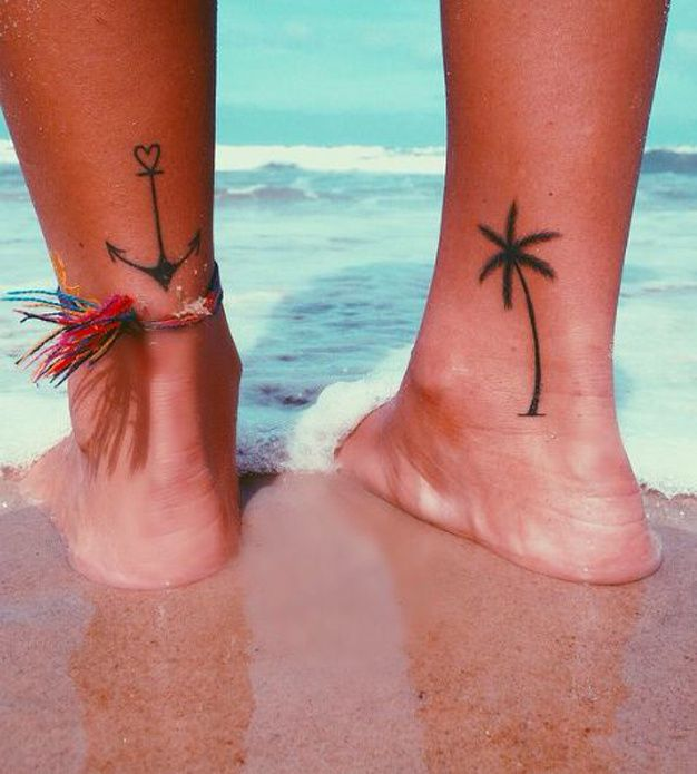 Tatuajes ancla y palmera