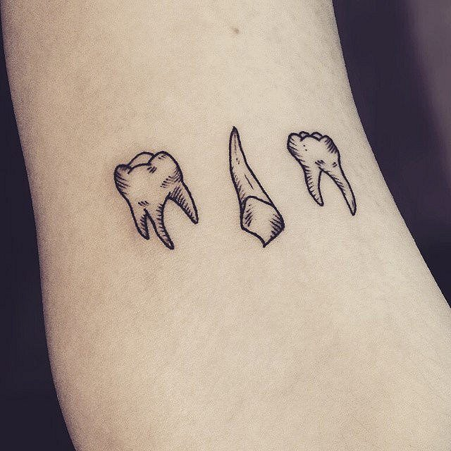 Tatuaje para dentista