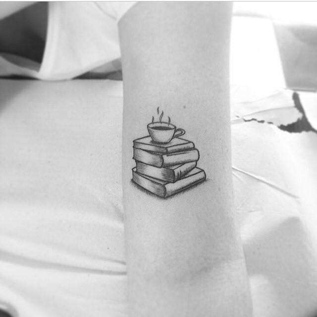 Tatuajes libros y café