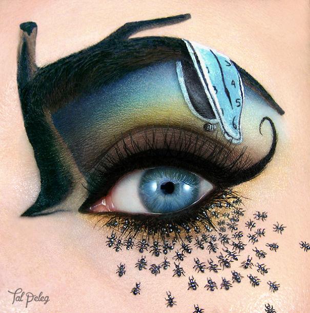 """Ojo de una chica usado para pintar la obra de Salvador Dalí """"la persistencia del tiempo"""""""