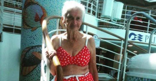foto de mujer mayor en bikini está sacudiendo internet