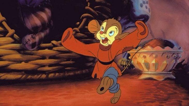 raton con camisa roja pelicula dibujos animados