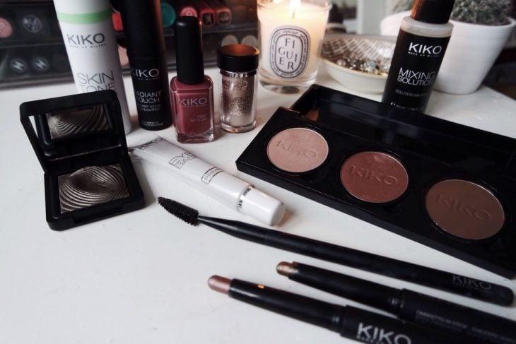 cosmeticos en mesa blanca marca kiko milano