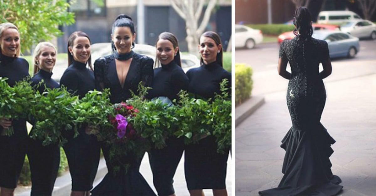 Esta novia viste de negro el día de su boda.