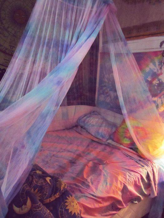 tela en el techo para evadir mosquitos