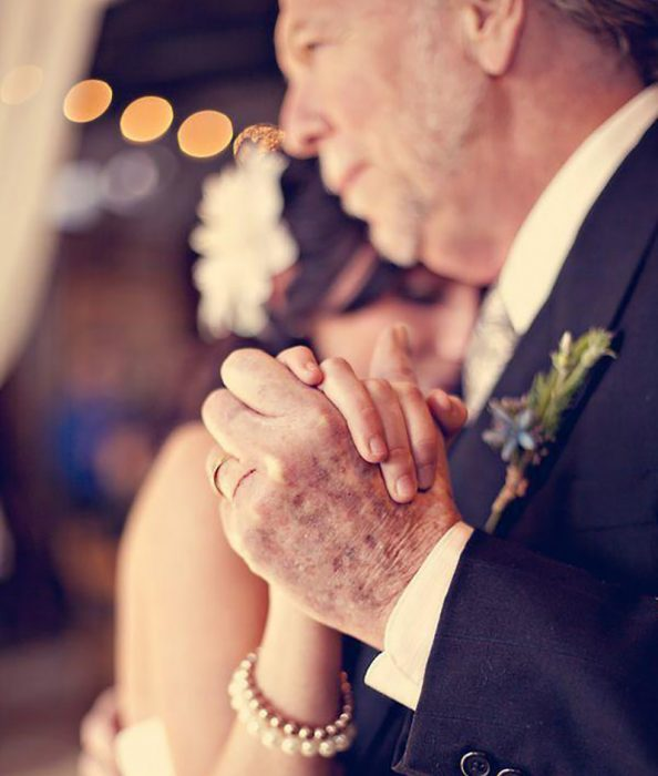padre e hija en dia de su boda