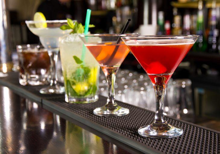 cócteles con alcohol