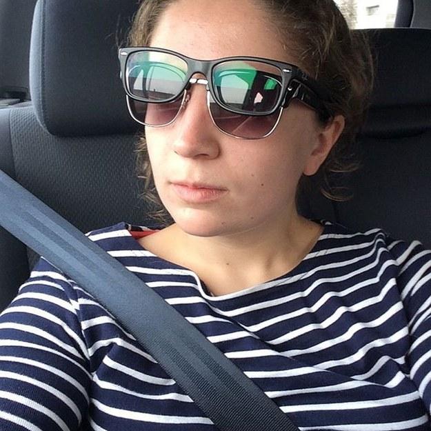 chica con lentes dobles