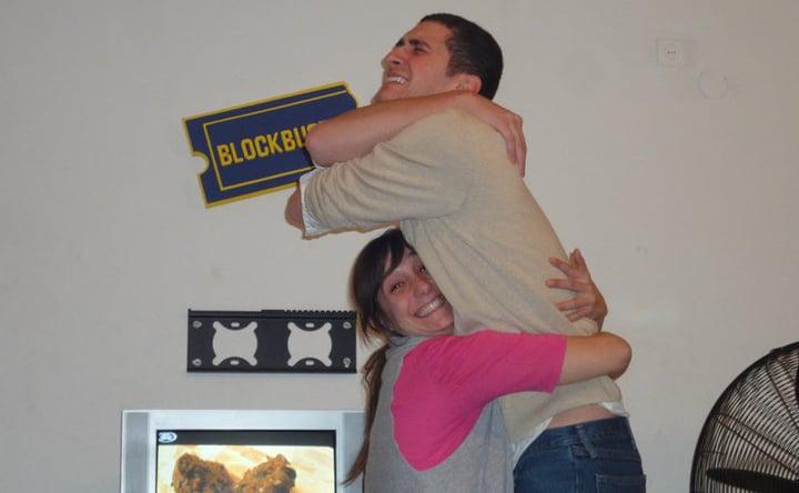 pareja él alto ella bajita