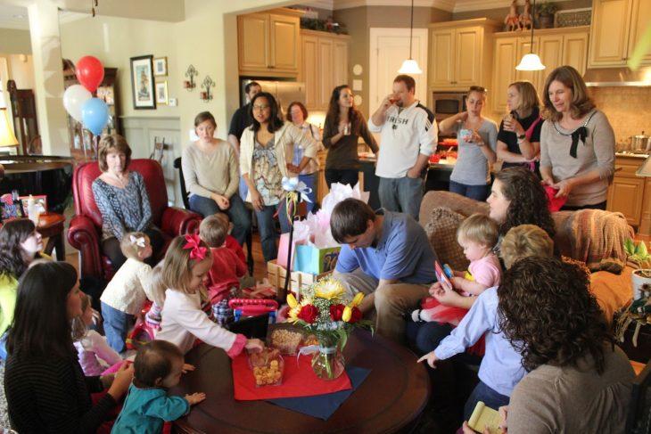 familia grande en fiesta