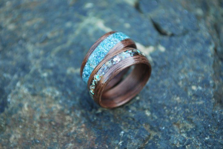 anillo madera y resina
