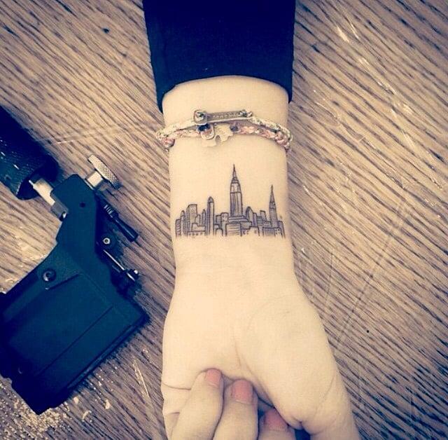tatuaje línea de horizonte Nueva York