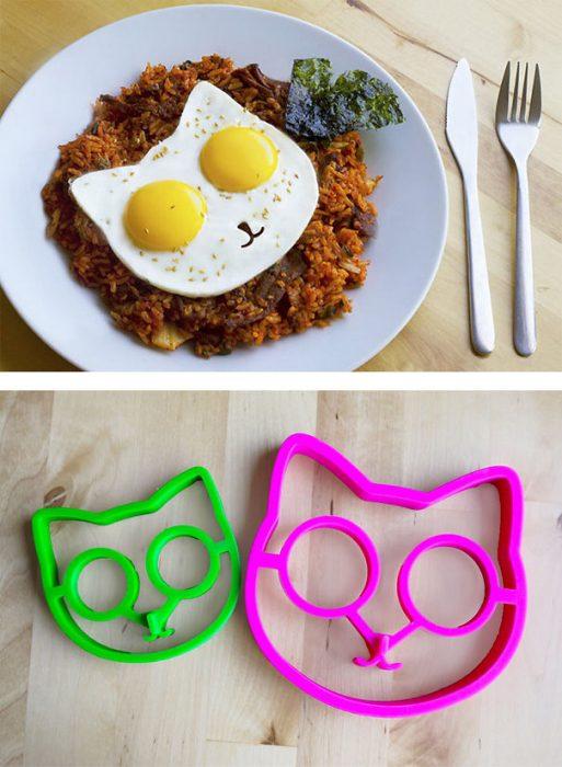 molde para huevos en forma de gato