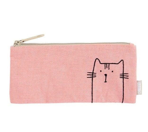 cartea con figura de gato
