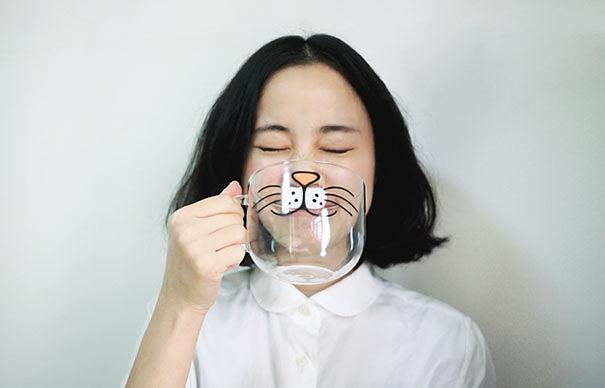 taza con dibujo de boca de gato