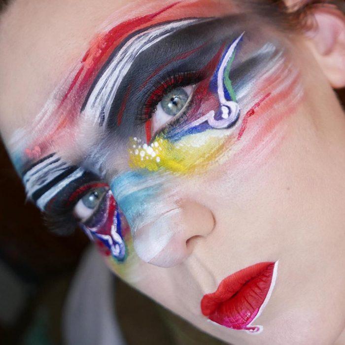 maquillista como cuadro de Derick Smith