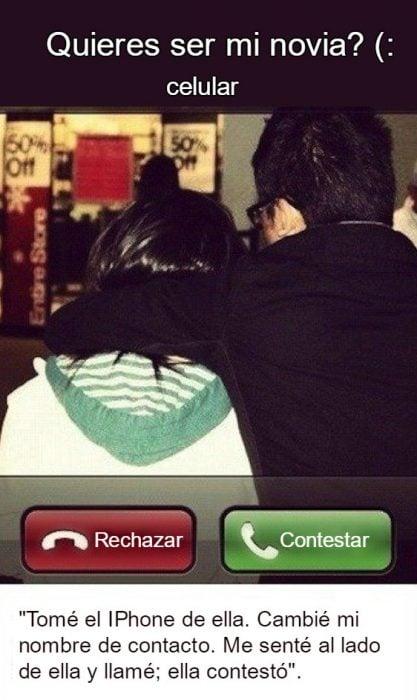 hombre y mujer de espaldas abrazados llamada entrante desde iphone