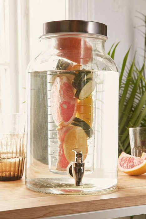 dispensador de agua con infusion de frutas