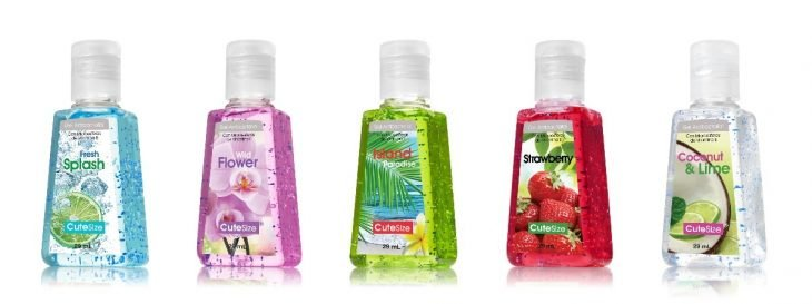 frascos de gel antibacterial de colores