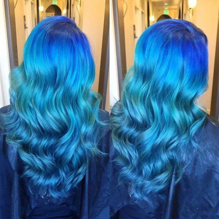 Chica con el cabello en color hombre brillante