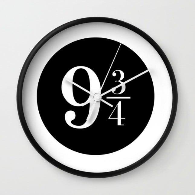 Reloj con indicaciones de harry potter