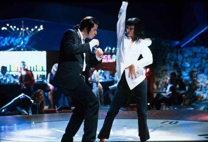 pareja bailando en pista de baile