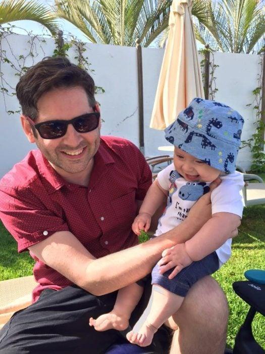Matt Coyne y su bebé