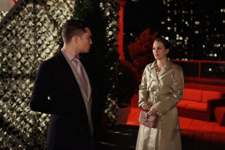Escena de la serie gossip girls Chuck y Blair discutiendo