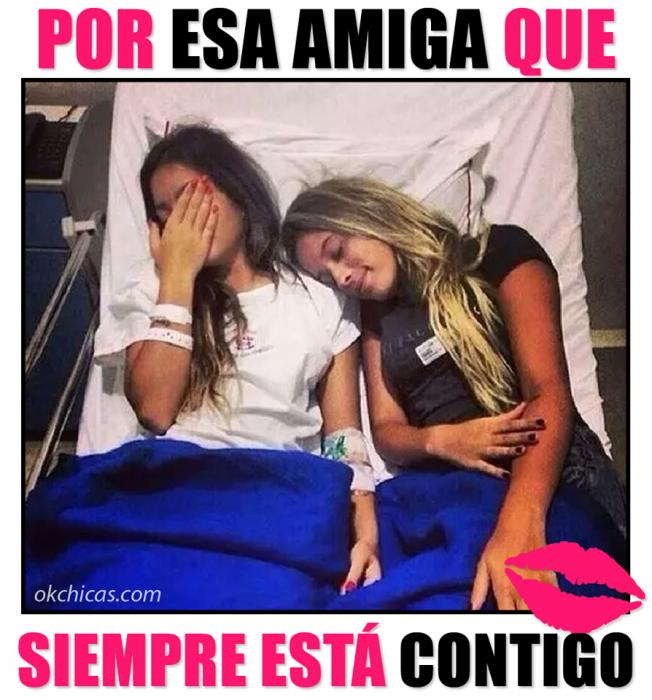 Meme okchicas. Amigas recostadas en una cama de hospital