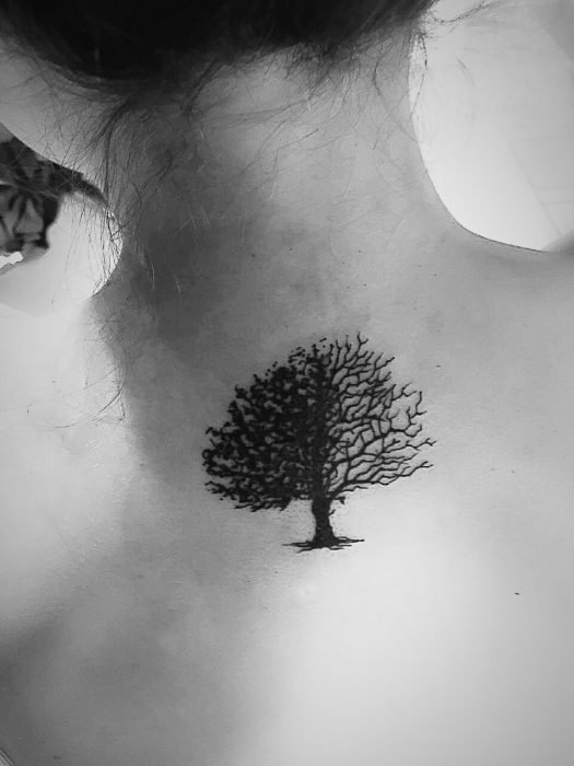Tatuaje de árbol de la vida en la espalda