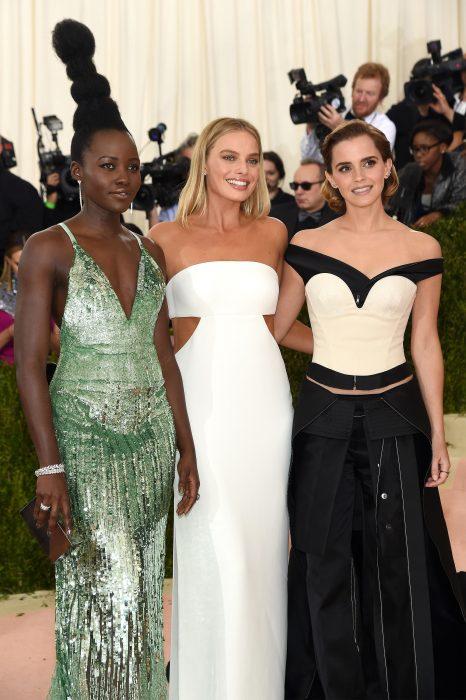 Lupita Nyong'o, Margot Robbie y Emma Watson durante la Meet Gala 2016