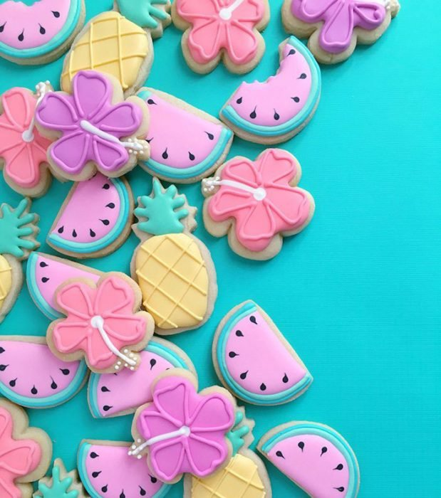 repostería galletas de colores flores y frutas