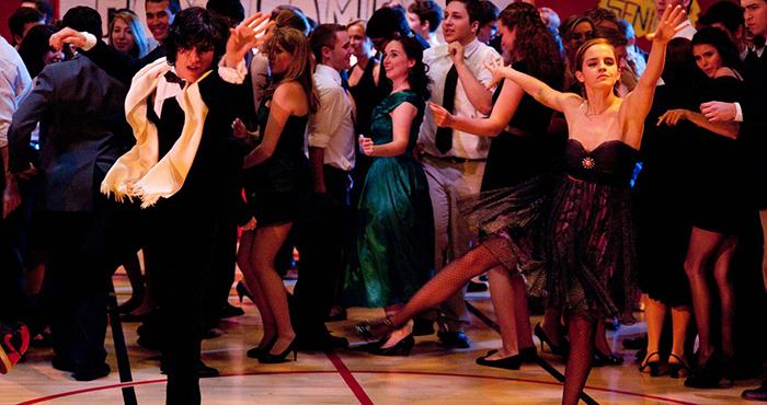 pareja bailando coreografía baile escolar