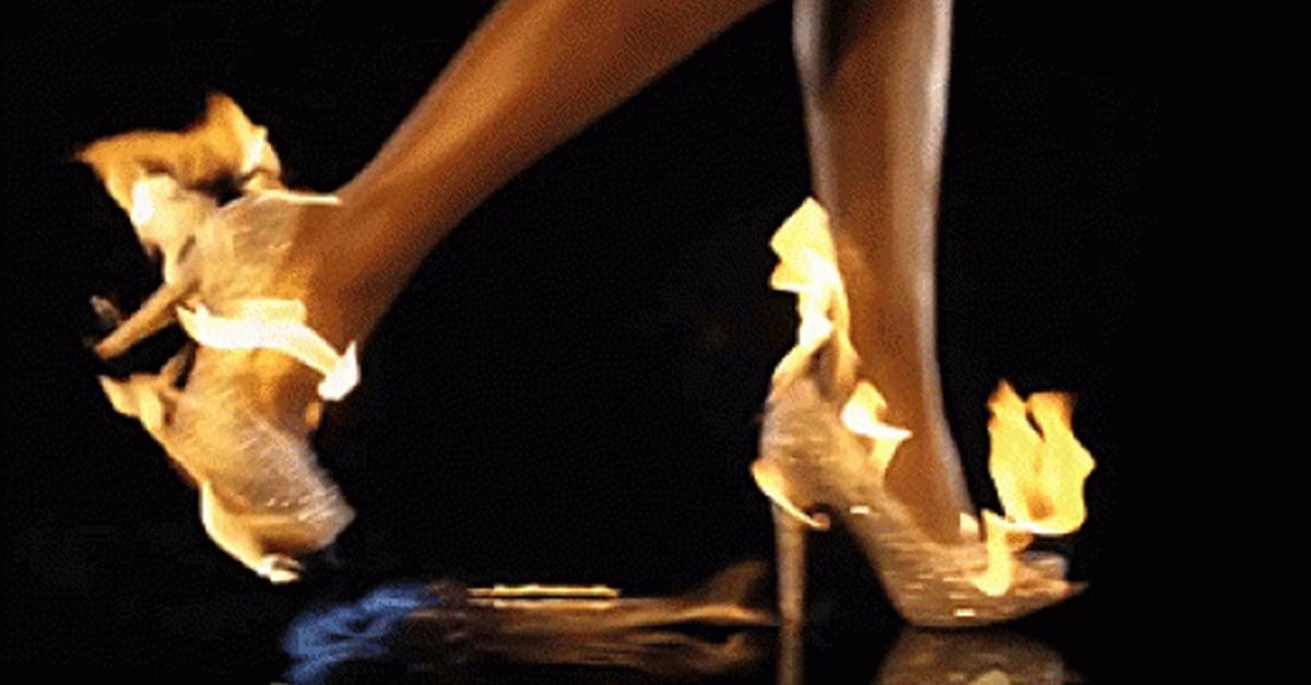 Verdades de las chicas que no pueden caminar con tacones