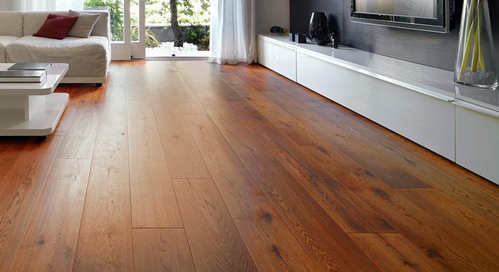piso de madera pulido