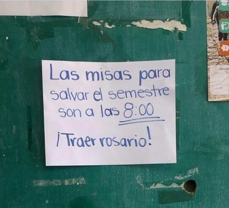 letrero de aviso para misa