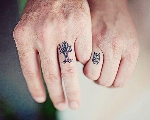 tatuaje pareja árbol y búho