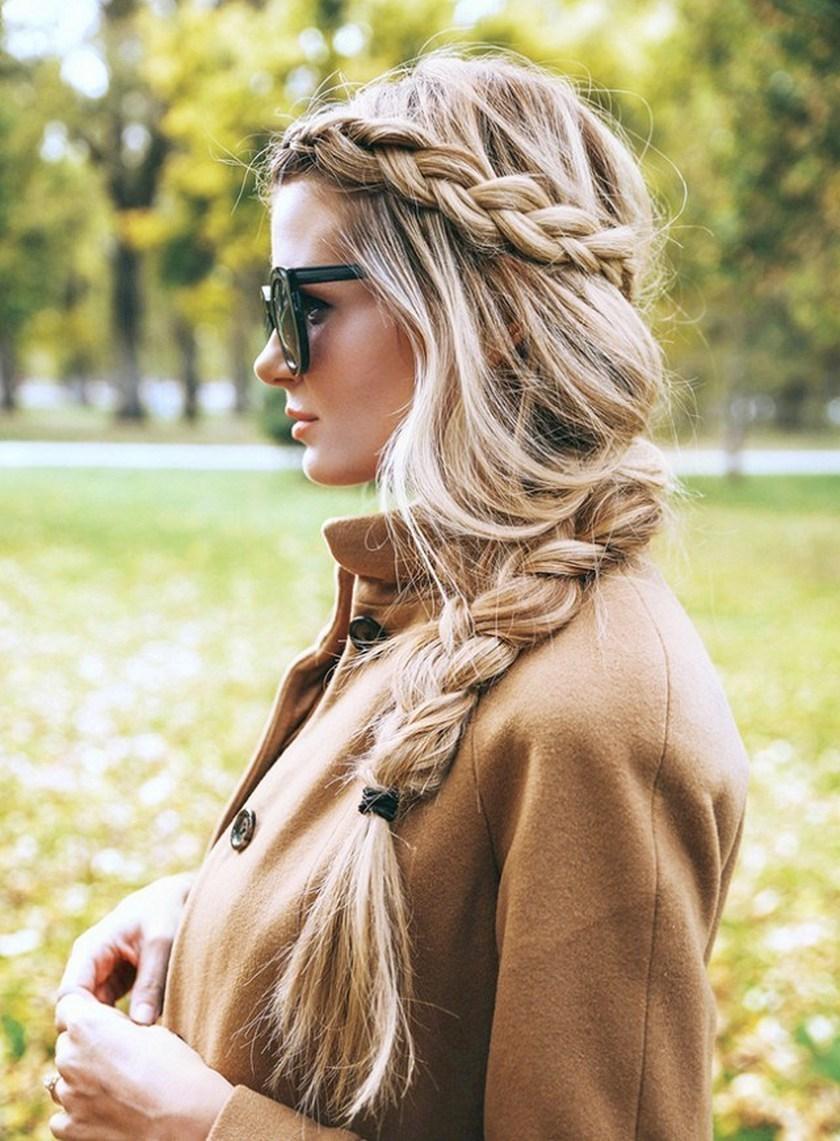 krasivaya-emo-foto-blondinka-s-kosoy-vrach