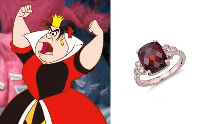 Anillo basado en la villana reina roja de la película alicia en el país de las maravillas