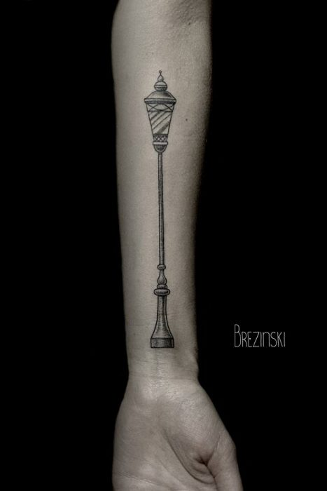 Tatuajes en puntillismo de Ilya Brezinski