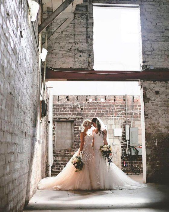 Chicas lesbianas el día de su boda