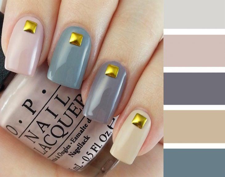Combinaciones de uñas en color gris