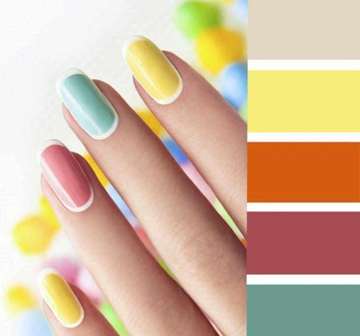 Combinaciones de uñas en color amarillo, verde y naranja