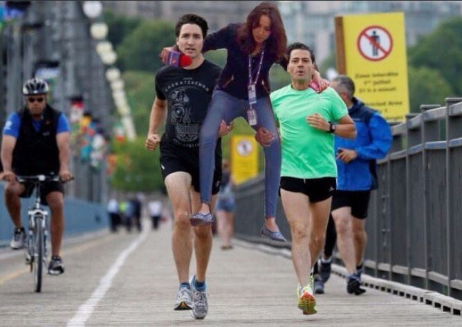 #Ladyreportera corriendo con el presidente Peña Nieto