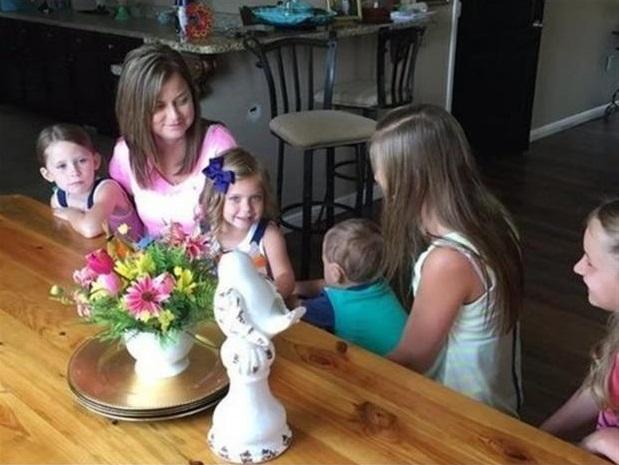 Stephanie Culley y sus seis hijos adoptivos
