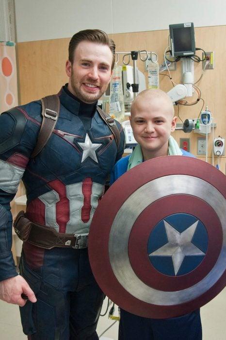 Chris Evans en el hospital de niños con cáncer