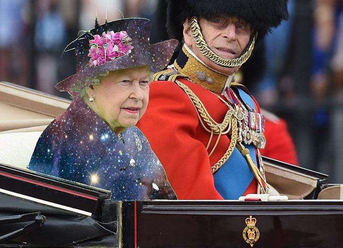 Reina Isabel vestida como una galaxia